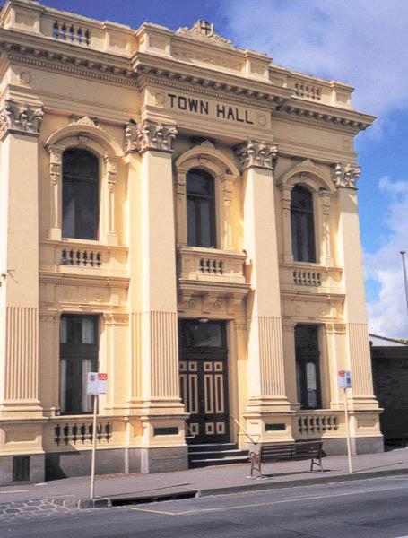 Former Town Hall, Kilmore, Victoria (4 Apr 2002)